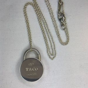 """1837 Collection Round Lock Pendant Necklace 16"""""""